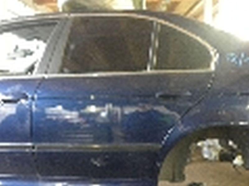 Tür links hinten 5-Türer BMW 5ER (E39)  523I