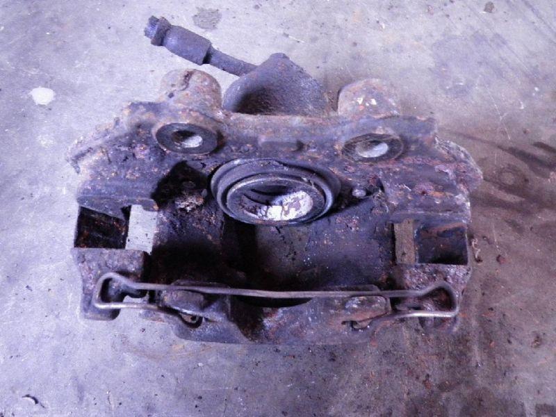 Bremssattel links vorne OPEL Tigra (S93COUPE)  1.4 16V
