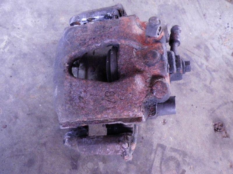 Bremssattel rechts vorne OPEL Tigra (S93COUPE)  1.4 16V