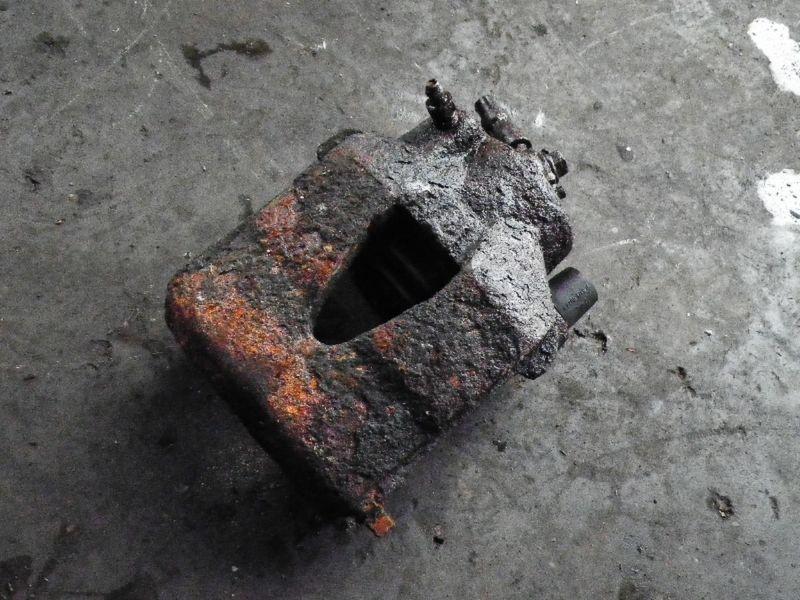 Bremssattel rechts vorne SKODA Octavia Combi (1U)  1.9 TDI
