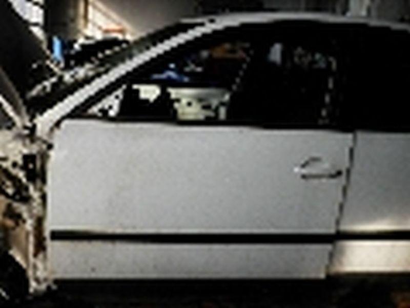 Tür vorne links 5-Türer VW PASSAT (3B2)  1.9 TDI