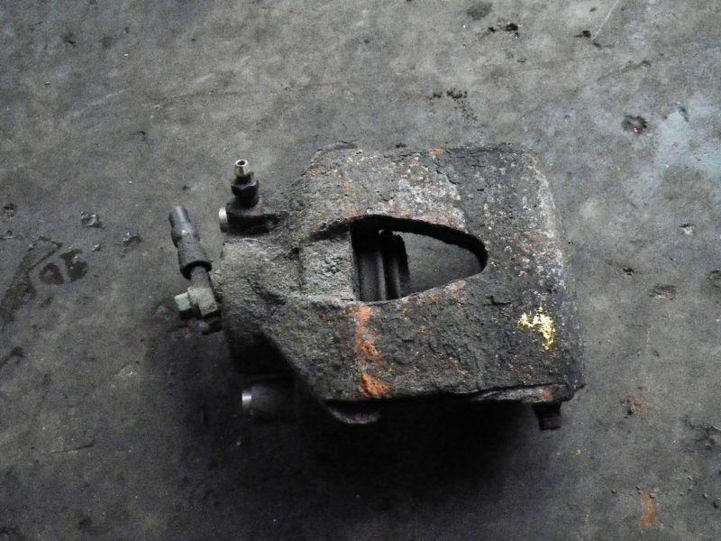 Bremssattel links vorne AUDI A3 (8L)  1.8