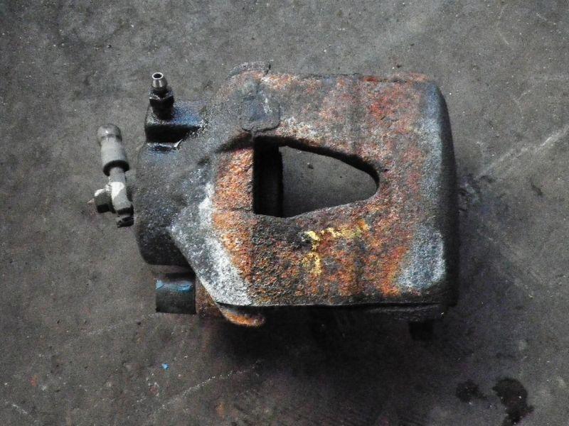 Bremssattel links vorne VW Fox (5Z)  1.2