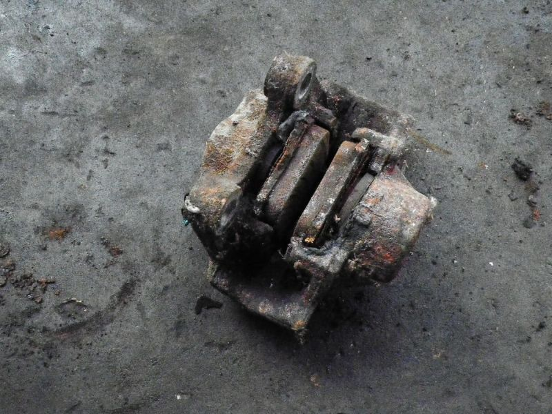 Bremssattel links hinten SAAB 9-3 (YS3D)  2.3i