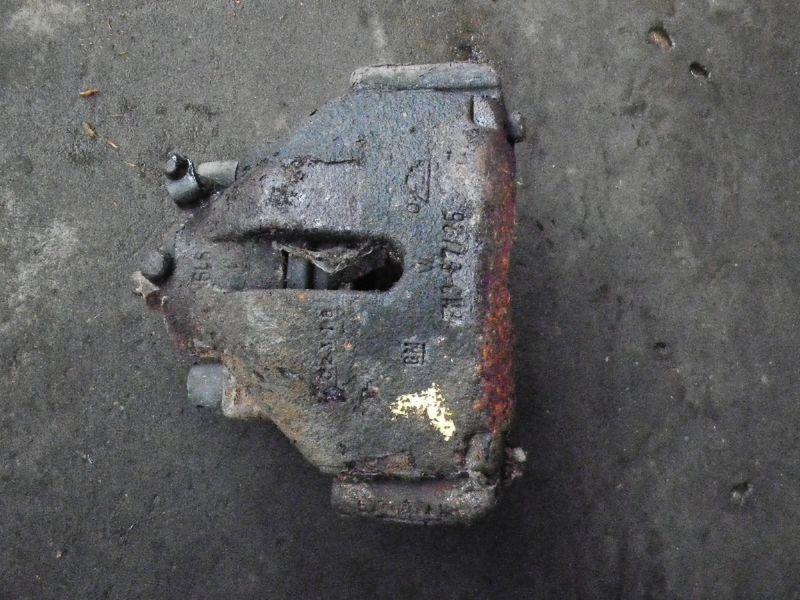 Bremssattel links vorne SAAB 9-3 (YS3D)  2.3i