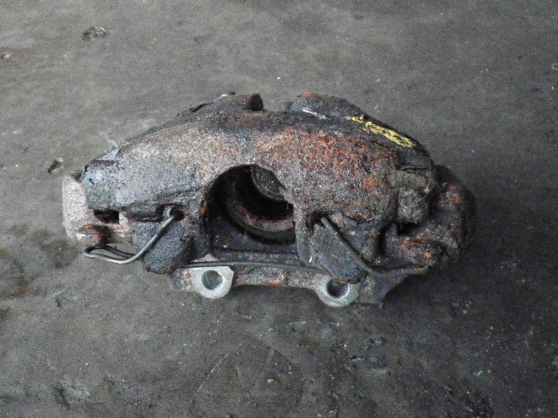 Bremssattel rechts vorne SAAB 9-3 (YS3D)  2.3i