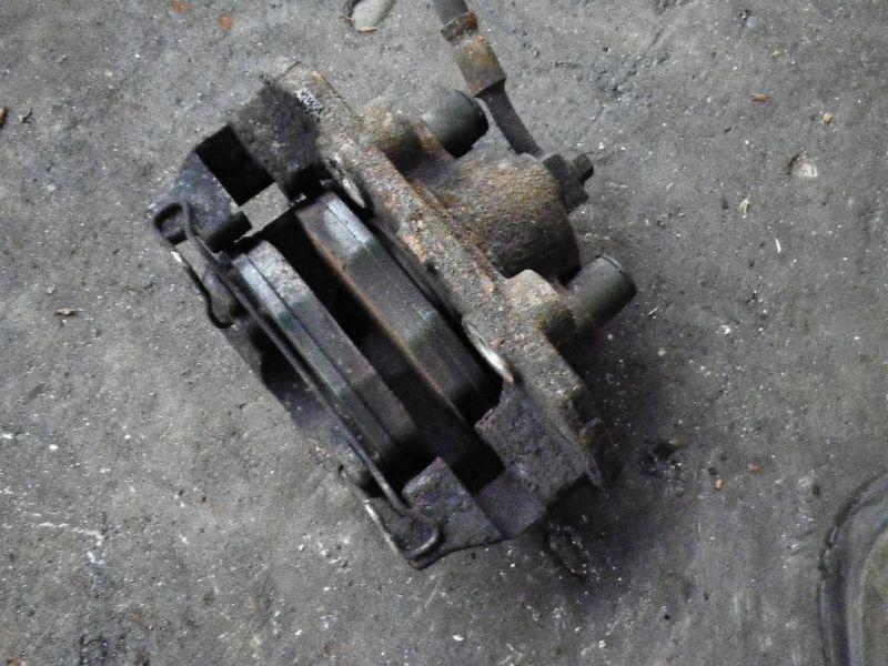 Bremssattel links vorne OPEL Corsa B  1.0 i 12V