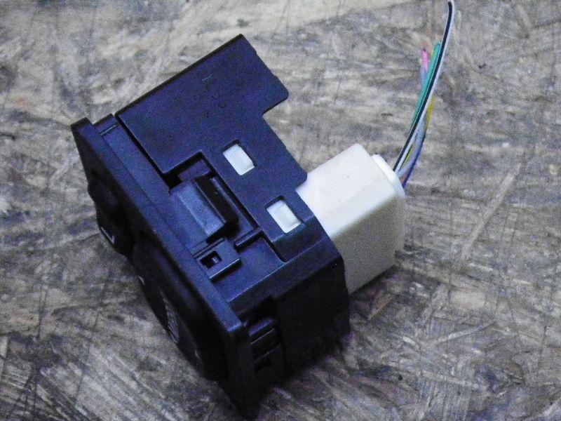 Schalter für Außenspiegel TOYOTA Auris (E150)  1.6 VVTi