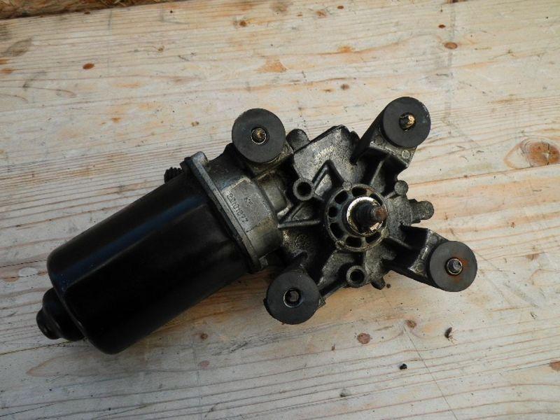 Wischermotor vorne TOYOTA Camry Station Wagon (V1)  3.0