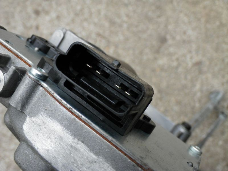 Wischermotor vorne CITROEN C4 II (B7)  1.6 HDi 90