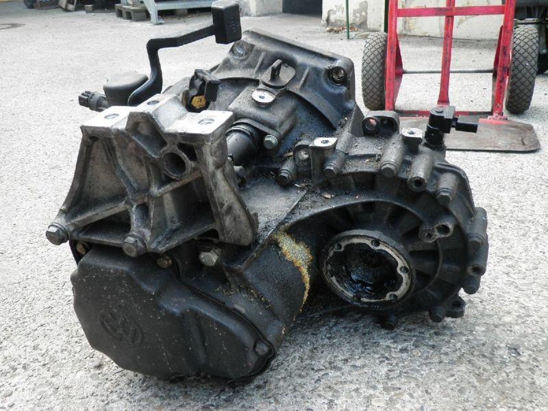 Schaltgetriebe VW Bora (1J)  2.0