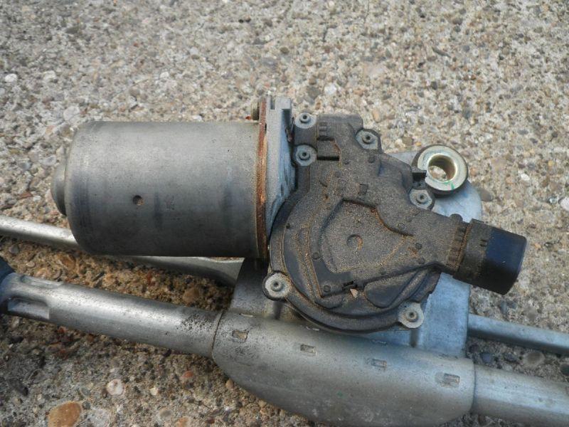 Wischermotor vorne TOYOTA Yaris (P1)  1.0 VVT-i