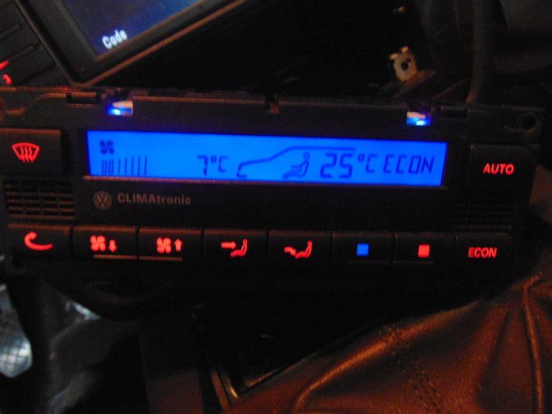 Heizungsbetätigung (Konsole) Klimabedienteil ClimatronicVW PASSAT (3B3, 3BG) 1.9 TDI