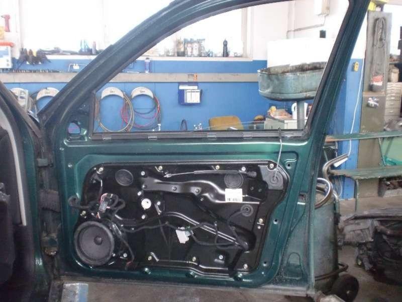 Tür vorne rechts 5-Türer VW BORA (1J)  2.3 VR5