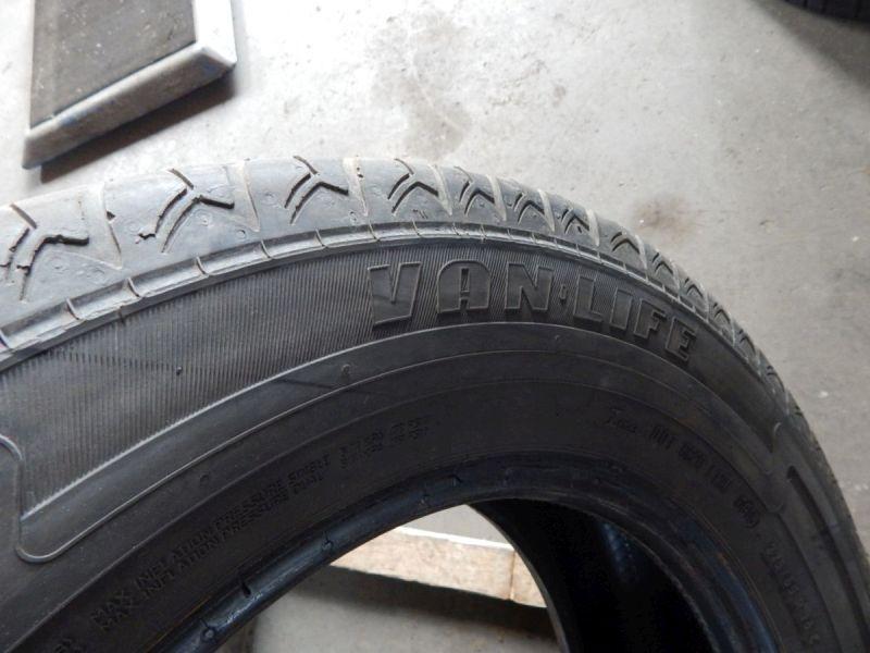 Reifen: 225/65 R16C 112/110R